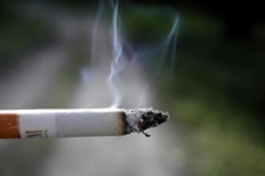 Табачный дым [убивает мальчиков в утробе матери]
