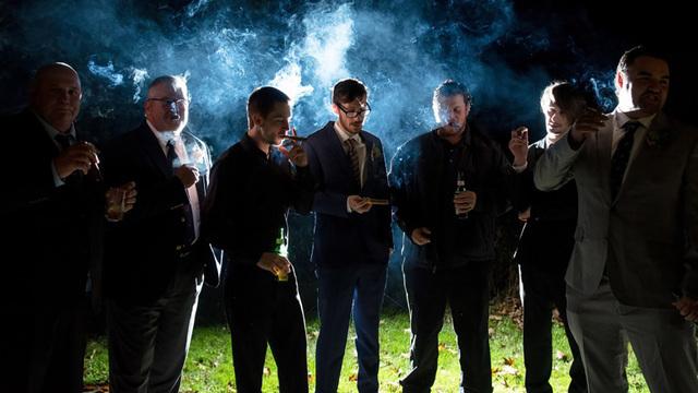 Около 2,2 миллионов британцев стали больше курить во время пандемии COVID-19
