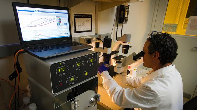 О чем мы не узнаем из исследований вакцин против COVID-19