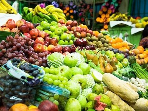 Цветные фрукты и овощи в рационе могут предотвратить возрастную катаракту