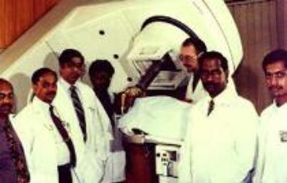 Семь индийских врачей  заразились СПИДом