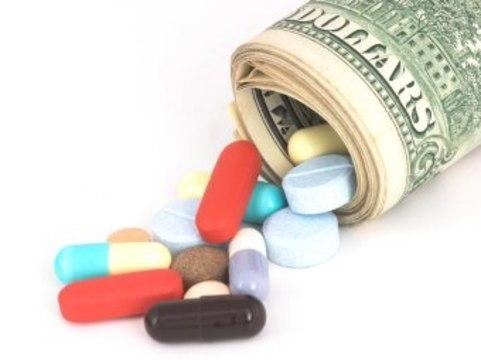 Минздрав будет контролировать [крупные закупки лекарств]