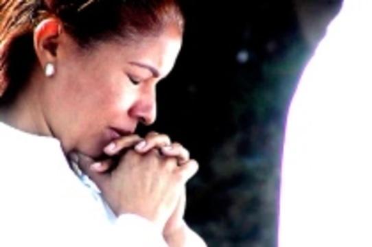 Лечившая больную дочь молитвой американка признана [виновной в убийстве]