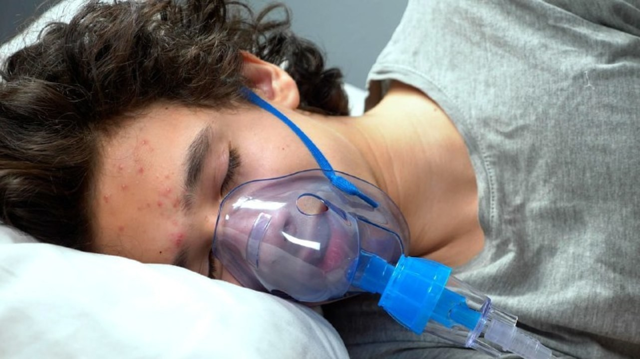 Подросткам с COVID-19 госпитализация требуется в 3 раза чаще нежели с гриппом
