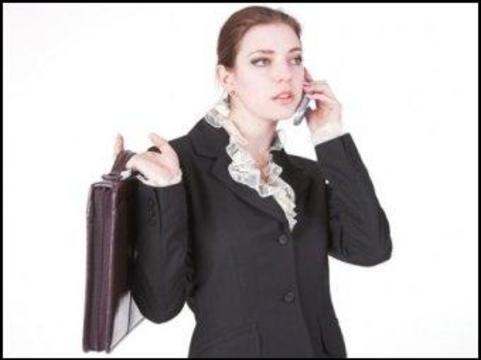 Долгие телефонные переговоры [повреждают локтевой нерв]