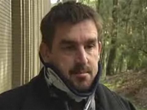 Врач посоветовал австралийцу с переломом позвоночника [лечиться ''Панадолом'']