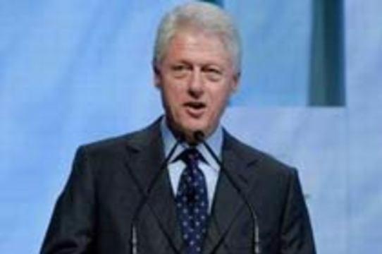 Билл Клинтон: мир спасут от СПИДа бесплатные шприцы и обрезание