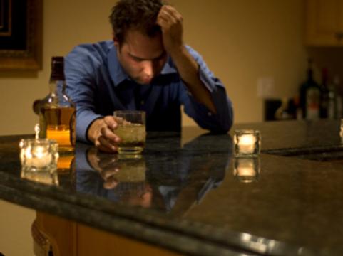 Алкоголь оказался [вреднее героина и кокаина]