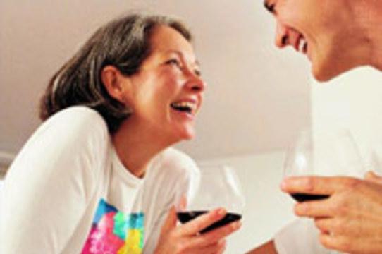 Красное вино защищает от болезней десен