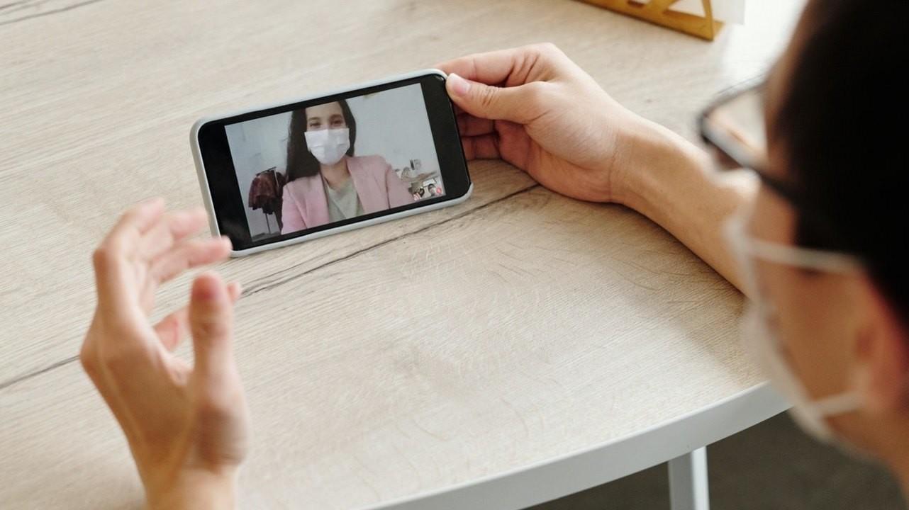 Мазок с телефона позволяет точно выявить заразного человека