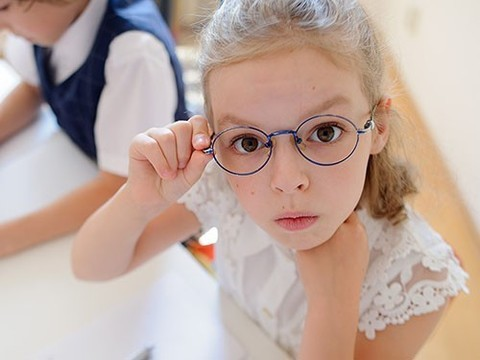 Каждый год обучения усиливает близорукость