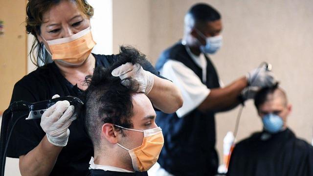 В США инфицированные COVID-19 парикмахеры не заразили ни одного из 140 клиентов
