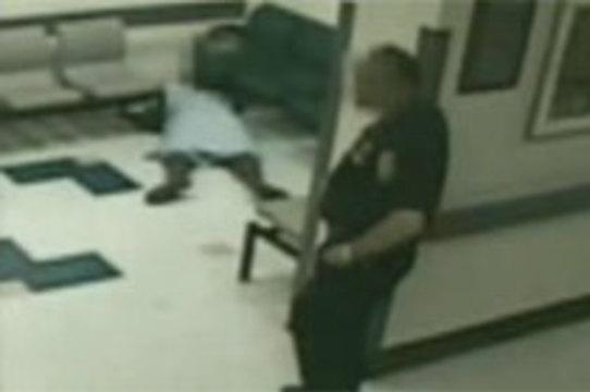 Семья умершей перед камерой пациентки подает иск на [25 миллионов долларов]