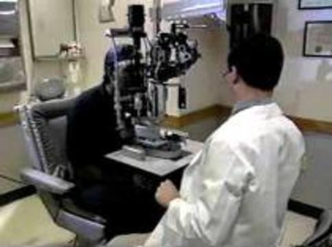 Эффективность линз для дальтоников вызывает сомнения у врачей