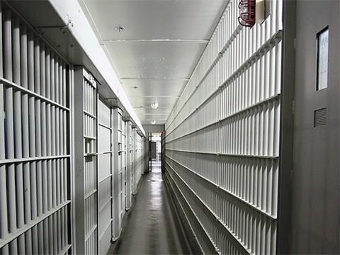Заключенные, страдавшие раком, умерли в тюрьме, не дождавшись освобождения
