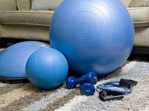 Физические упражнения очень важны при самоизоляции. Вот почему