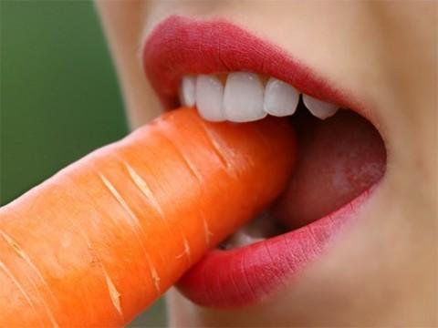 Средства для отбеливания могут повреждать глубокие слои зубной ткани