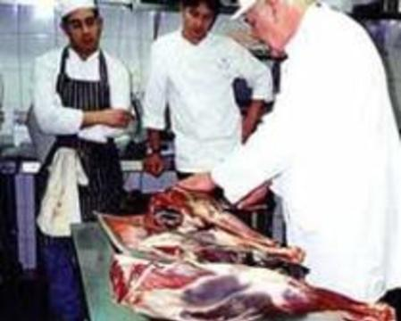 В безопасность клонированного мяса ученые не верят