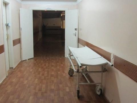 В Москве мужчина умер после падения смедицинской каталки