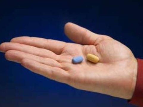 В лекарствах для лечения ВИЧ-инфекции нуждаются [100 тысяч россиян]