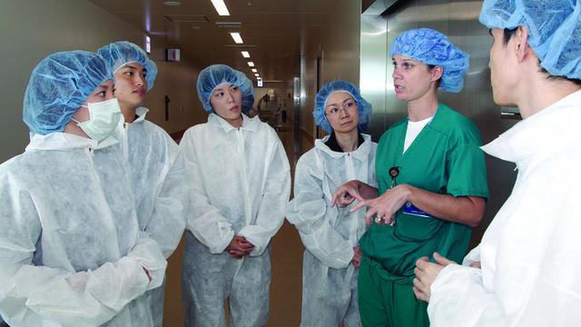 Более 40 тысяч студентов привлекли для работы с заболевшими COVID-19 — Михаил Мурашко