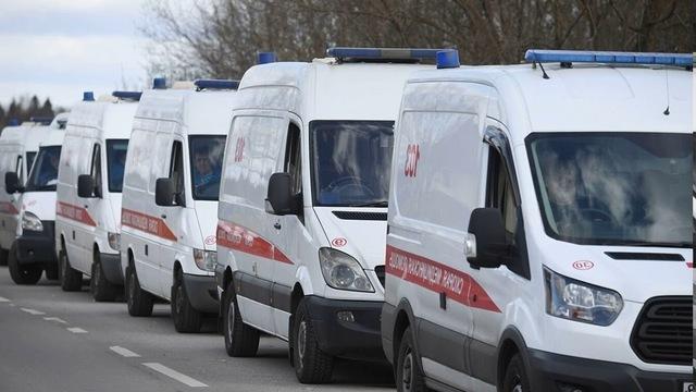 В Петербурге сообщают о возобновившихся очередях из машин скорой в стационары