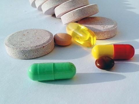 Бесконтрольный прием пищевых добавок и растительных средств угрожает здоровью миллионов