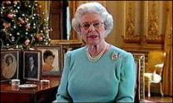 Английская королева оказалась на операционном столе