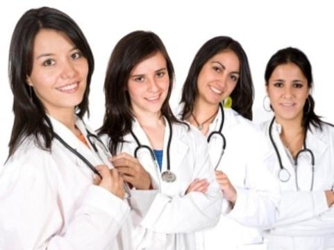Профессия врача в Великобритании [станет женской]