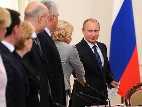 Путин поручил разработать план комплексной реабилитации наркоманов