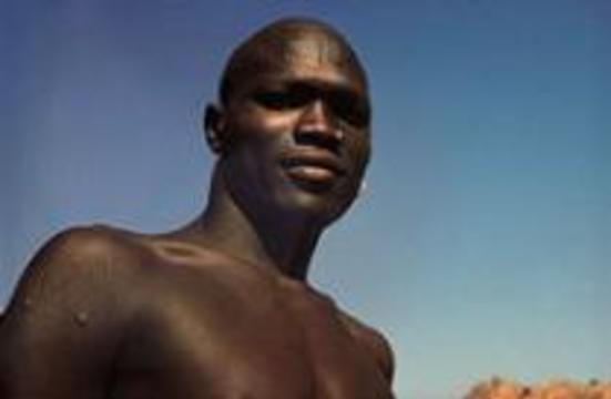 Борьбе со СПИДом мешают африканские мачо
