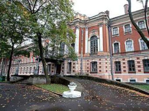 [Петербуржцы провели пикет] против закрытия 442-го госпиталя