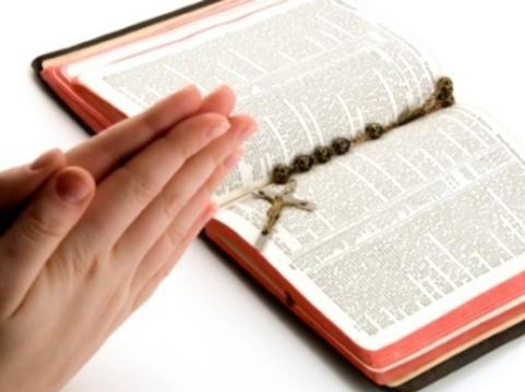 Британских проповедников [уличили в лечении ВИЧ молитвами]