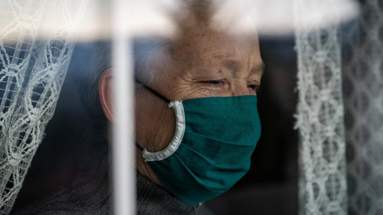 Источником новой вспышки COVID-19 в Китае стал мужчина, читавший лекции о здоровье