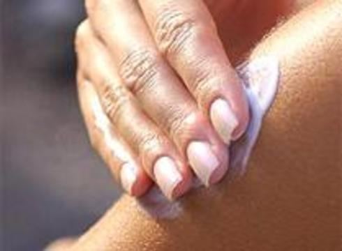 """Студентка умерла от """"передозировки"""" косметического крема"""
