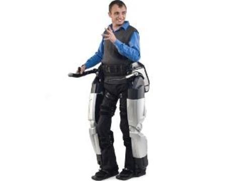 Роботизированный экзоскелет [вернул парализованным пациентам возможность ходить]