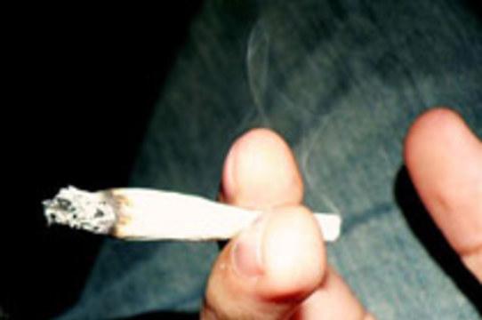 Дым марихуаны оказался [вреднее табачного]