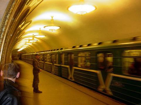 Онищенко заподозрил московское метро в [нарушении режимов вентиляции]
