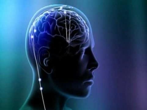 Нейрохирурги предложили [«водитель ритма» мозговой активности для паркинсоников]