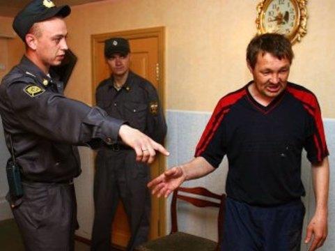 Главный нарколог РФ призвал [поручить сортировку пьяниц милиции]