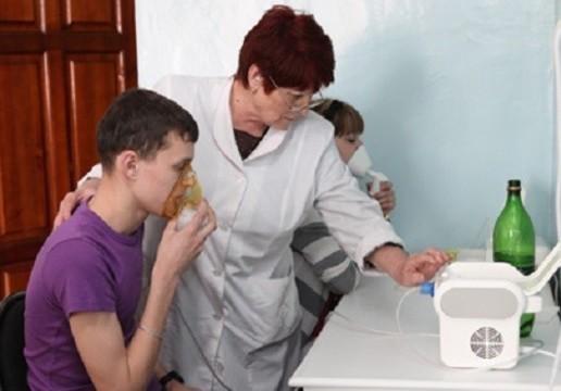 Медведев подписал постановление [о денежном вознаграждении лучших медсестер]