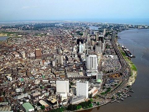 Эпидемия лихорадки Эбола [добралась до крупнейшего города Африки]