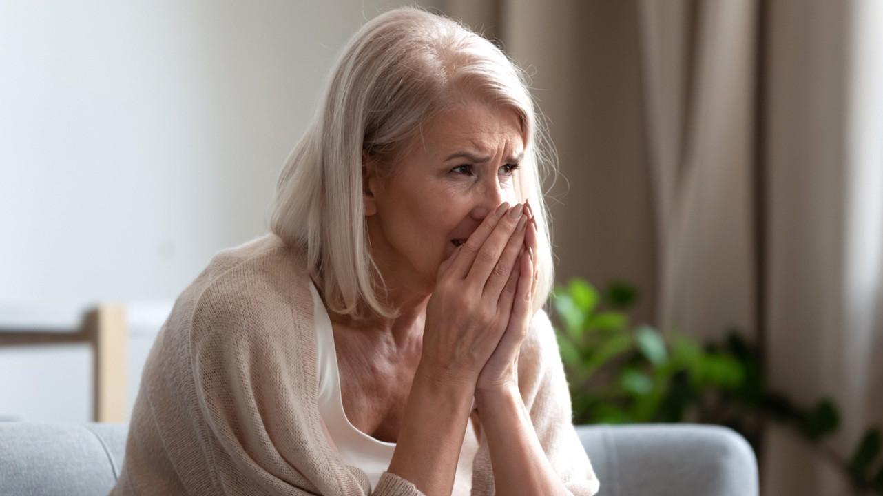 Пожилые женщины страдают от синдрома «разбитого сердца» в 10 раз чаще мужчин