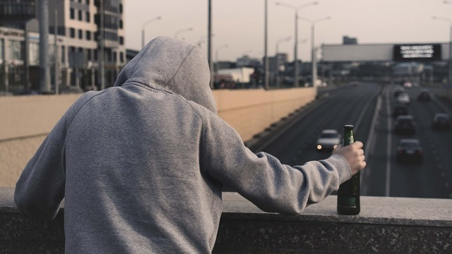 Пересадка бактерий из кала помогла в лечении алкоголизма