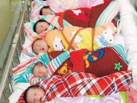 В Китае стали чаще [рожать девочек]