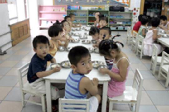 [260 детей госпитализированы] с отравлением в Китае