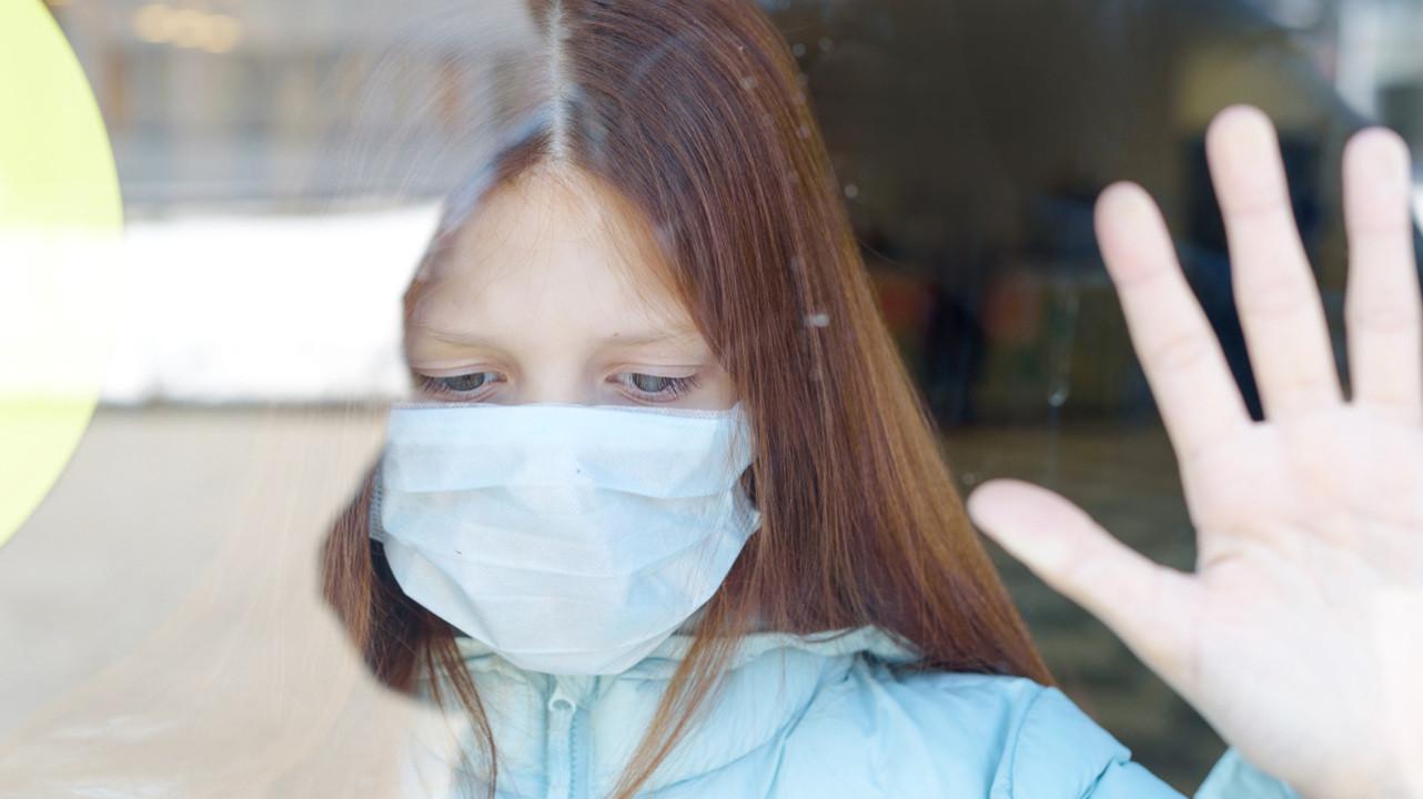 Около 6% детей страдает постковидным синдромом после заражения — международный обзор