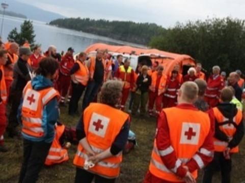 Северокавказских медиков [обучает Красный Крест]