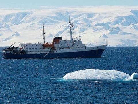 Подозреваемый в причинении тяжкого вреда здоровью врач уплыл в Антарктиду