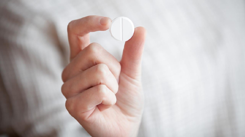 Регулярный прием аспирина до 70 лет снижает риск развития колоректального рака